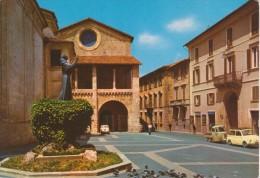 RIETI Piazza Mariano Vittori Palazzo Vescovile Con Auto D'epoca Fiat 500 Familiare Ed APE Piaggio - Rieti