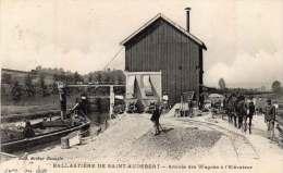 PRESLES ET BOVES 02 - Ballasti�re de St Audebert - Arriv�e wagons
