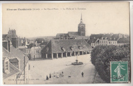 02 FERE en TARDENOIS  la Grand'Place  la Halle et la Fontaine