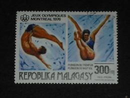 MADAGASCAR YT PA 164 OBLITERE - PLONGEON NATATION JEUX OLYMPIQUES MONTREAL - Madagascar (1960-...)