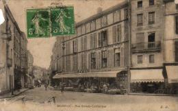 D82  MOISSAC  Rue Sainte Catherine ............ ( Petit Manque En Haut Bord Gauche ) - Moissac