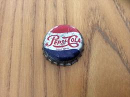 """Ancienne Capsule de soda (rare) """"Pepsi-Cola - COMPAGNIE FRAN�AISE DE BOISSONS GAZEUSES PARIS"""" (int�rieur li�ge)"""