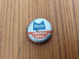 """ancienne Capsule de soda """"Fanta ORANGE SODA - SOCI�T� PARISIENNE DE BOISSONS GAZEUSES SA CONCESSIONNAIRE"""""""