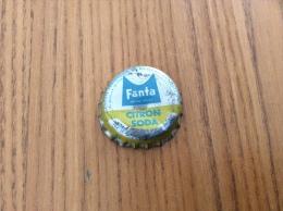 """ancienne Capsule de soda """"Fanta CITRON SODA - SOCI�T� PARISIENNE DE BOISSONS GAZEUSES SA CONCESSIONNAIRE"""""""
