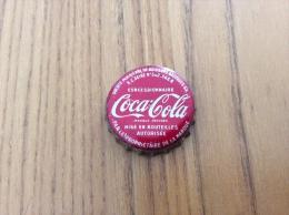 """ancienne Capsule de soda """"Coca-Cola (blanc sur rouge) - SOCI�T� PARISIENNE DE BOISSONS GAZEUSES SA CONCESSIONNAIRE"""""""