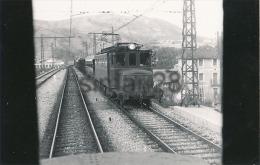 TRAIN EN GARE ESPAGNOL - CARTE PHOTO - Trains