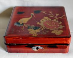 Coffret Laqué Rouge à Décor Asiatique Signé - Bijoux & Horlogerie