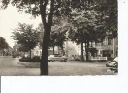 57-PHALSBOURG LA PLACE D ARMES AUTOS - Phalsbourg