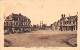 YVETOT - La Gare Et L'Hôtel De La Gare - Yvetot