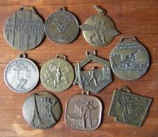 Lot De 10 Médailles Sportives (course, Marche Etc...) - Other