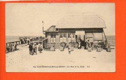 14 COURSEULLES : Le Bar Et La Jetée - Courseulles-sur-Mer