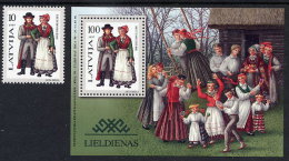 LATVIA  1997 Regional Costumes IV Stamp And Block  MNH / **.  Michel 451, Block 10 - Latvia