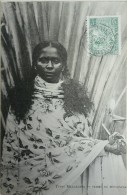 CPA - MADAGASCAR. Types Malgaches. Femme De Mevatana. Voyagé Timbre Cachet Paquebot 1906 - Madagascar