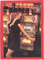 JEMME FEMME AU CASINO MACHINES A SOUS CARTE EN SUPERBE ETAT PUBLICITE KOOKAI 1992 - Pin-Ups