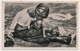 CPSM - NIGER - Bébé Recevant Un Lavement - Niger