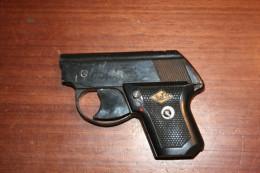 Ancien Petit Pistolet D'alarme Marie Perfecta Mod DBP - Militaria