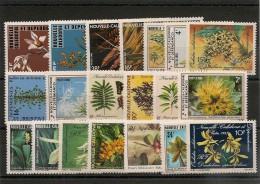 NOUVELLE CALÉDONIE Flore  Années 1977/89  Lot** Côte: 47,00 € - Neukaledonien
