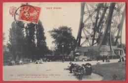 TOUT PARIS N° 240 : Jardin Du Champ De Mars  ( 7 ème Arr.) Pilier D Ela Tour Eiffel . - France