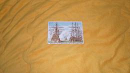 CHROMO ANCIEN DATE ?. / AU CARILLON BORDEAUX. / CHATEAU RENAULT BAT LES ANGLO HOLLANDAIS DANS LA BAIE DE BANTRY 1689 - Trade Cards