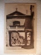Carte Postale Grigny Le Porche De L'Eglise Et La Place (correspondance) - Grigny