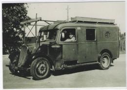 CPM - AUTOMOBILE - Camion  Citroën 23 Muni D´un Gazogène D´aile 1940  - ( Véhicule PTT ) - Métiers