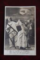 PIERROT ET COLOMBINE - Femmes