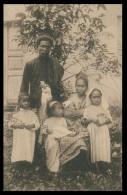 ASIA - TIMOR  - COSTUMES - Uma Familia Cristã ( Ed. Da Missão) Carte Postale - Timor Oriental