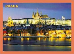 A231/593 Tchequie Prague - Panorama Hradcan ( Timbre ) - Cartes Postales