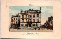 77 PROVINS ---- Devant La Mairie - Provins