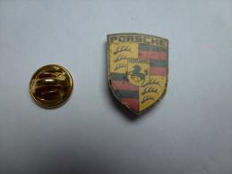 Pin's Artisanal , Auto Porsche  , Punaise Servant De Pointe - Porsche