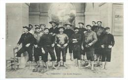 64 - BIARRITZ - Les Guides Baigneurs - CPA - Biarritz