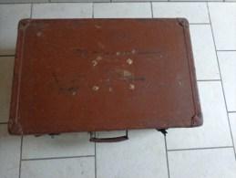 Valise Ancienne 60x38x22 Cm-poids Sans Emballage 3.600kg - Art Populaire