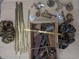 Fond De Caisse-- Tringle A Rideau Laiton-robinet-anneau Laiton-piece Pour Electricien-roulette Etc... - Art Populaire