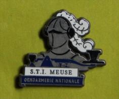 Pin´s - Gendarmerie Nationale - S. T. I - Meuse - Militaria
