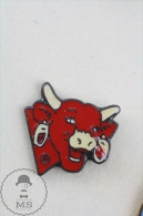 The Laughing Cow/ La Vache Qui Rit Advertising Pin Badge  #PLS - Marcas Registradas