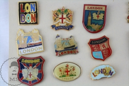 9 Different London Coat Of Arms, London Bridge, Golden Colour Pin Badges  #PLS - Ciudades
