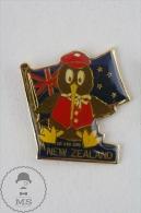 New Zealand Mr Kiwi Bird And Flag  Pin Badges  #PLS - Ciudades