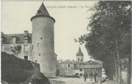 Aveyron : Salles-Curan,  La Tour - Frankreich