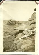 BRETAGNE ILE DE SEIN .LA CHAISE DIEU LE ROCHER DU PENSEUR 1931 - Places