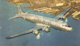 "CT--N--1307--   AEREO--COLONIAL AIRLINES -COLONIAL  "" SKYCRUISER "" OVER MANHATTAN  -  VIAGGIATA  1956 - 1946-....: Moderne"