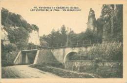 38 - Environs De CREMIEU - Les Gorges De La Fusa - Un Monolithe - Crémieu