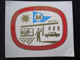 HOTEL INTERHOTEL CEDOK BRATISLAVA CSSR CSR CZECH REPUBLIC CZECHOSLOVAKIA LUGGAGE LABEL ETIQUETTE AUFKLEBER DECAL STICKER - Hotel Labels