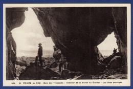 29 CLEDEN-CAP-SIZUN Baie Des Trépassés, Intérieur De La Grotte Du Gravier, Les Deux Passages - Animée - Cléden-Cap-Sizun