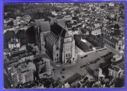 Carte Postale 02. Saint-Quentin   Vue D´avion   Trés Beau Plan - Saint Quentin