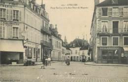 """CPA FRANCE 89 """" Avallon, Place Vauban Et Rue Tour Du Magasin"""". - Avallon"""