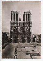 75 - PARIS . NOTRE-DAME ET PLACE DU PARVIS - Réf. N°14404 - - Notre Dame De Paris