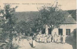 Coucy Le Chateau. Orphelinat, Cour De Récréation Et Classe - Sonstige Gemeinden