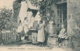Coucy Le Chateau. Orphelines Occupées Au Jardinage - Sonstige Gemeinden