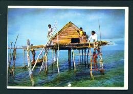 PHILIPPINES  -  Sitangkai  Stilted House Of A Seaweed Farmer  Unused Postcard - Philippines