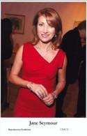 JANE SEYMOUR - Film Star Pin Up - Publisher Swiftsure Postcards 2000 - Artiesten